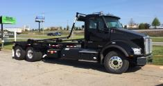 Roll-off Truck Kenworth T880 CNG with Cable Hoist